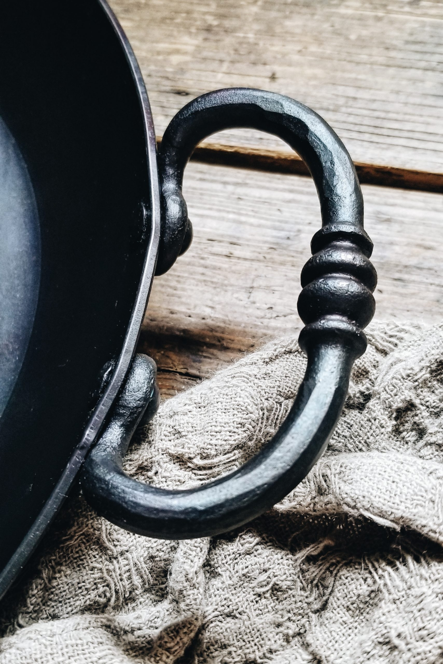 Bleu Forged Skillet FavIcon